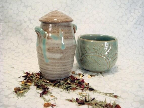 Lidded Tea Jar with Tea Bowl