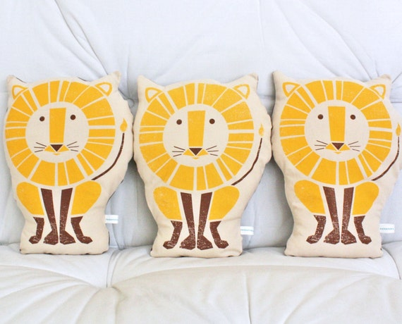 Lion Screenprinted Pillow 2-color