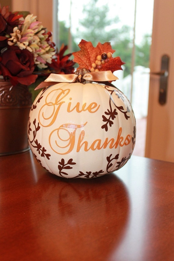 Give Thanks With This Cream and Chocolate Brown Pumpkin Centerpiece