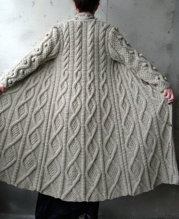 کابل بژ بلند Knitted ژاکت کش باف پشمی نشان