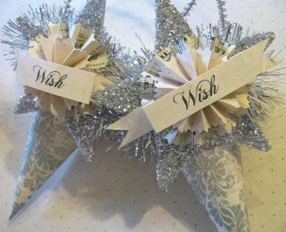 Set of 2 WISH.. JOYEUX NOEL... BELIEVE Tussie Mussie Cones SILVER GLITTER STAR hang tag Shabby Chic French CHRISTMAS decoration Holiday