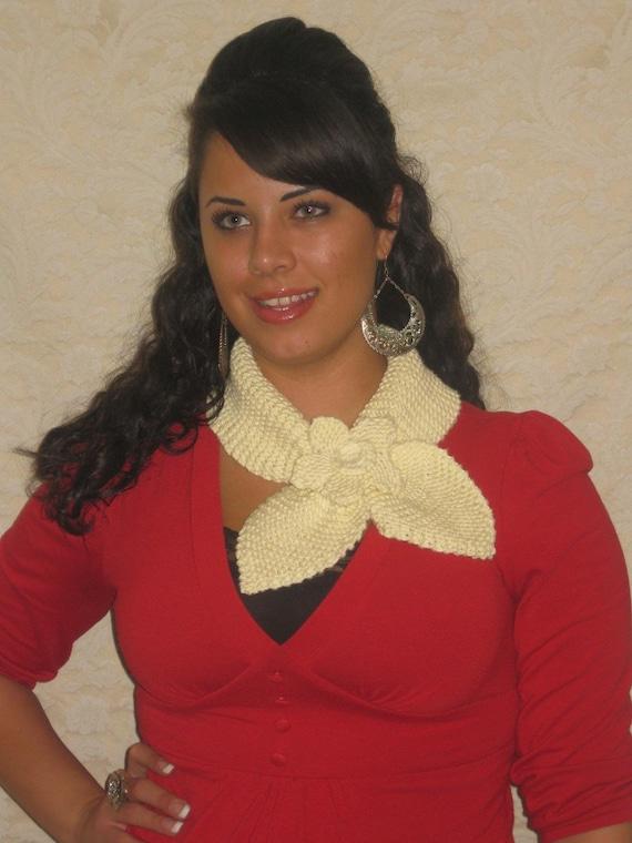 Knitted Neckwarmer دستباف شال گردن (کرم) با گل