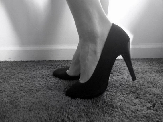Plain Black Pumps