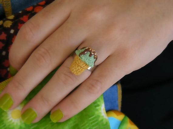 Клубничное мороженое кольцо