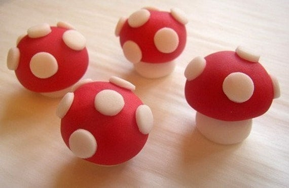 Fondant Cupcake Toppers - Toadstools - 3D