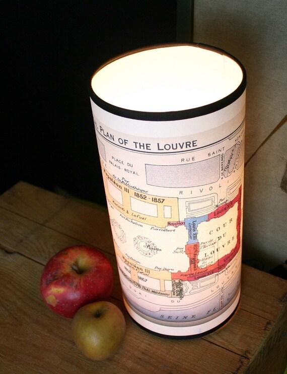 Лувр Карта лампа ручной работы с переработанной бумаги и архивных чернил