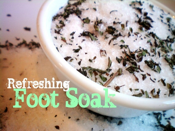 Refreshing Foot Soak with Peppermint and Tea Tree