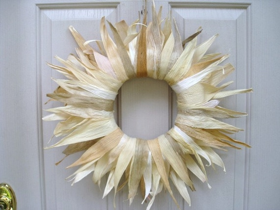 Cornhusk Starburst Wreath, 22 inch (no103)