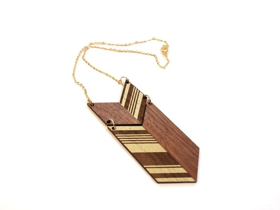 COLO - Laser cut, walnut necklace, gold