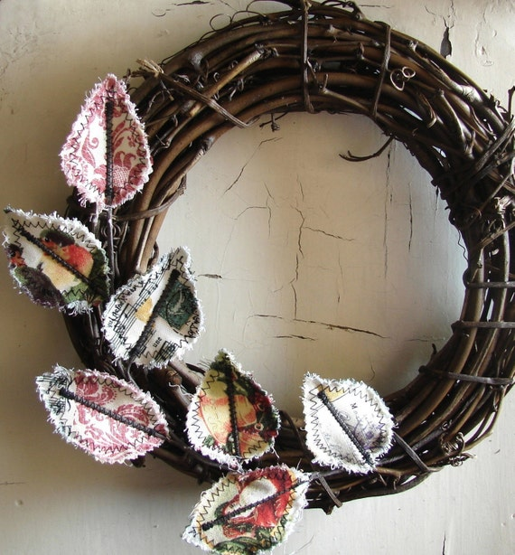 Sweet Fabric Wreath - Vintage Holiday Greetings