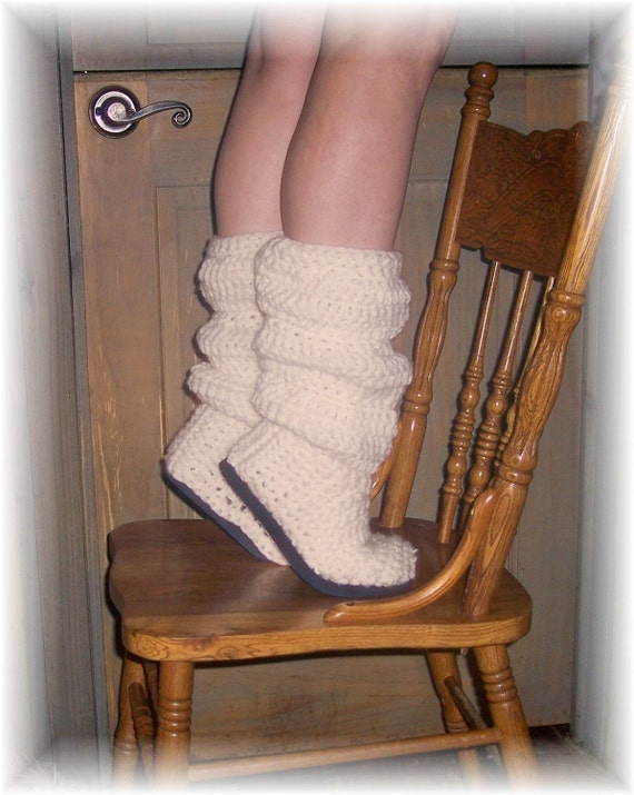 PATTERN Crochet pattern AMAZING SLOUCH BOOTS STYLE NUMBER ONE Youve all seen them - now make them yourself SEXY BOOTS FOR OUTDOOR OR INDOOR WEAR These fit like a glove and for any size foot FROM CHILD TO ADULT