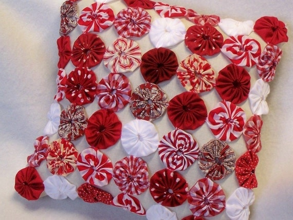 Handmade YoYo Quilt Pillow Shabby Fabric French Cottage Chic Christmas Peppermint Red White 1/2 OFF
