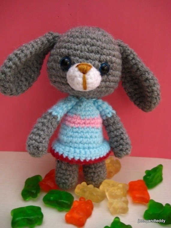 pdf  amigurumi crochet pattern  Bunny rabbit ,welcome to sell the finished item