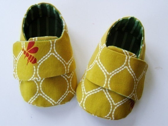 no 51 Baby Sneakers PDF Pattern (0-18 months)