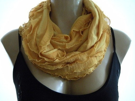 NEW...Sunflower ....Flamenco..Necklace Scarf.....Le dernier cri...