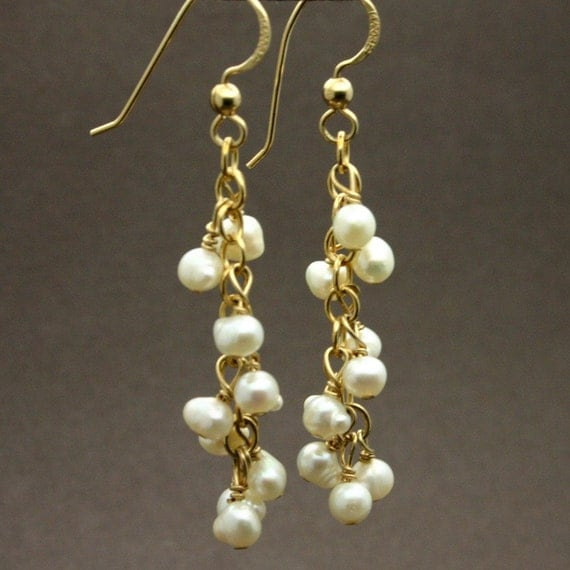 gold and pearl earrings, pearl earrings, gold dangle earrings