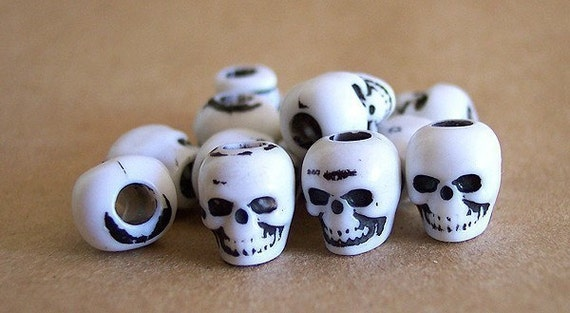 100 White Skull Beads Plastic Psychobilly Halloween Goth Day of the Dead Lolita ZNE ESST