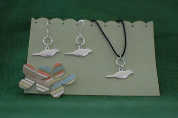Bird earring-necklace set