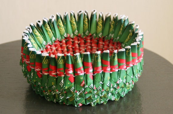 Christmas colors paper bowl