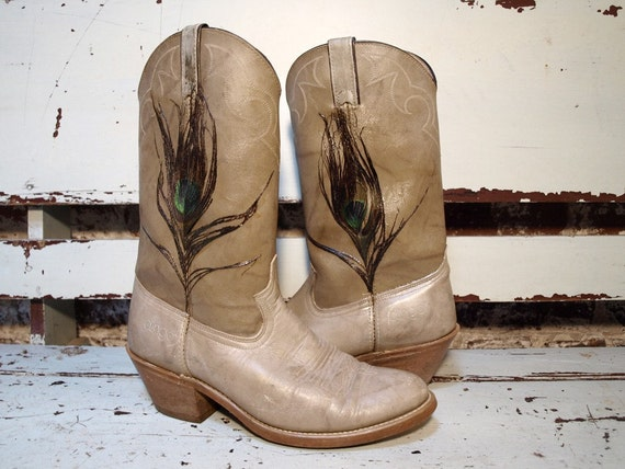 Gold Brushed Dingo Boots w Peacock Feather 9.5