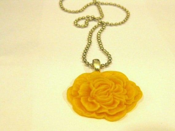 School Bus Yellow Chrysanthemum Flower Necklace