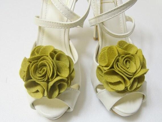 Wool Felt flower shoe clips in Olive green