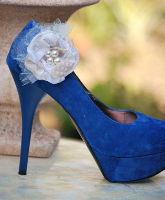 Romantic Rosebud Shoe clips Bride Couture Bridal Gift Special Occasion Women's Day Royal Complex Elegant white or ivory pearls Tulle
