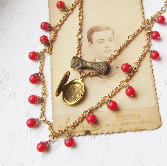 Giulia - bead and locket necklace