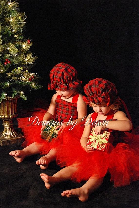 پارچه پیچازی قرمز زیبا لباس کریسمس. بالای شکم بند زنانه ، دامن توتو و مطابق با کلاه. حجم صورت 12m - 5T. اندازه های سفارشی و رنگ های موجود