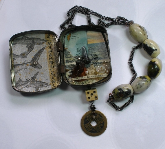 An Assemblage to Wear -- The Ocean