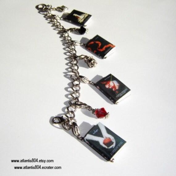 Twilight Series Mini Book Charm Bracelet (etsy)