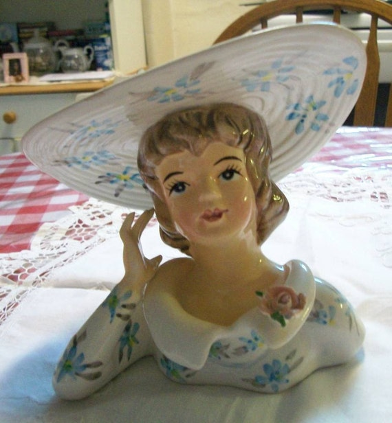 Lady Headvase Southern Belle