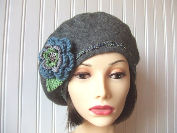 Heathered Charcoal Grey Wool Beret with Flower Brooch....Winter Fashion