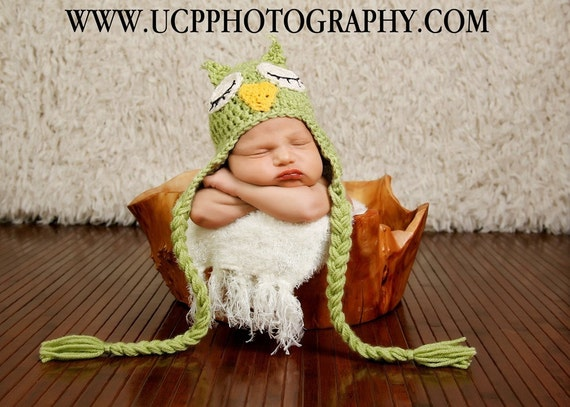 Newborn to 3m Adorable Sleepy Eyed Green Owl Hat With Braids