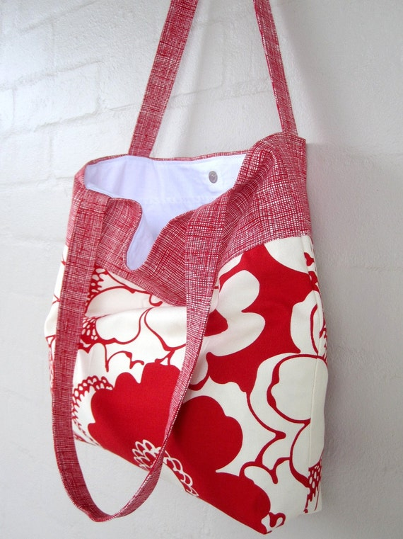 Red Blooms Tote