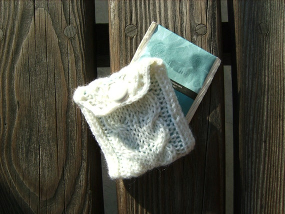 Handmade Elegant White Cable Knit Tea Bag Cozy Wallet Pouch