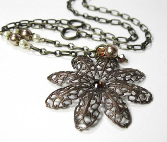 Swarovski Pearl Crystal Vintage Style Pendant Necklace