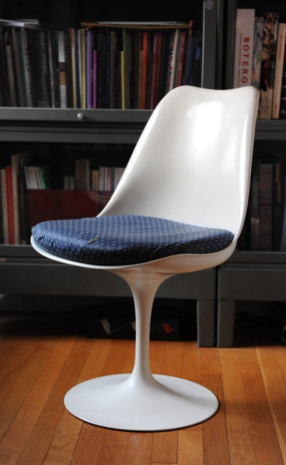 Eero Saarinen tulip chair for Knoll
