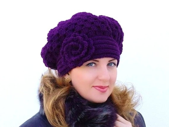 Crochet  shunky  beret, Warm  violet  Hat  with flower