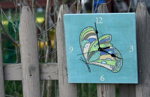 butterfly clock (blue)