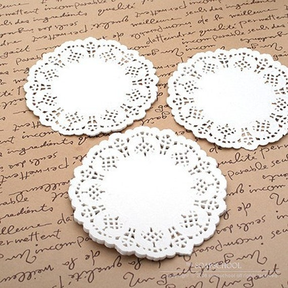 7.5 inch Lace Paper Doilies (20 sheets)