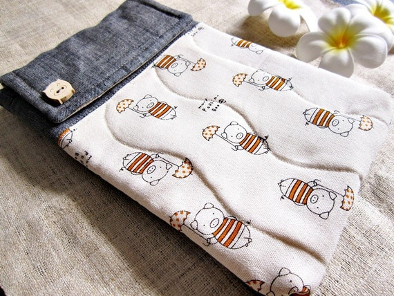 Piggy Mary Poppins - Padded Kindle 3 / Nook  Linen Pouch