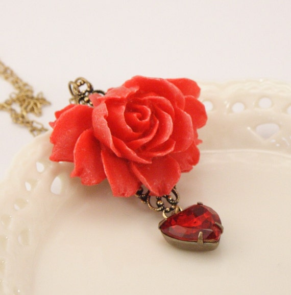 Vintage Heart Vibrant Red Rose Necklace