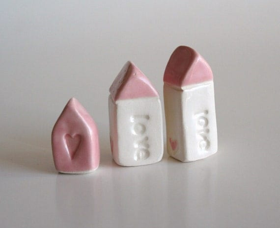 LOVE Miniature Clay House - Pink White