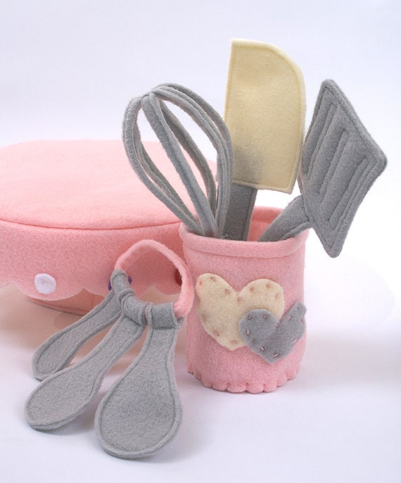 Featured in SIMPLY HANDMADE Magazine Kitchen Utensils Set of 5 Eco Felt Play food Spatula Whisk Measuring Spoons