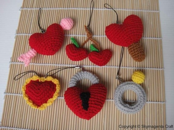 Miniature Crochet Pattern- VALENTINE 2 - Cell Phone Charm - pdf