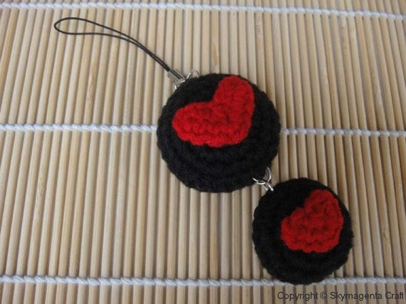 Crochet Cell Phone Charm - Heart in rounds - Valentine
