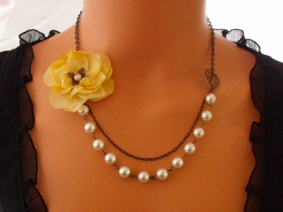 Vintage Soft Yellow Rose Necklace