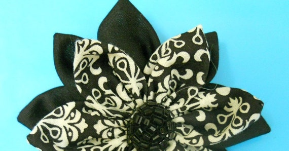 Black-White Damask/Black Flower (free shipping)