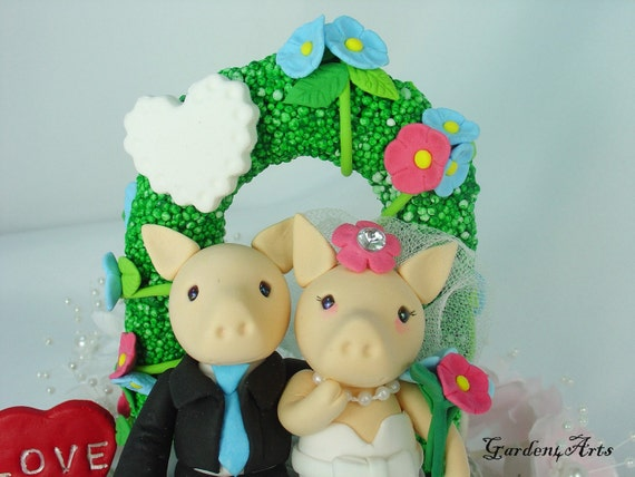 Love piggy couple with sweet bench/flower arch and grass base -custom order for southern wedding